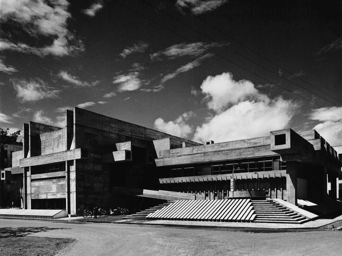 Ōita Prefectural Library, photo courtesy of Yasuhiro Ishimoto