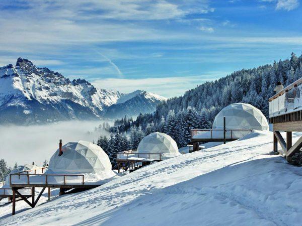 Vistas de Los Alpes desde Whitepod en inviern