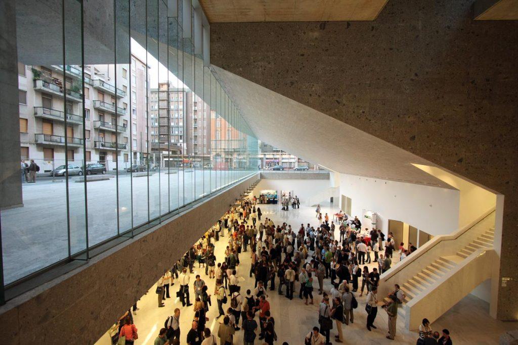 La Universidad Luigi Bocconi en Milán (Italia) de Farrell y McNamara