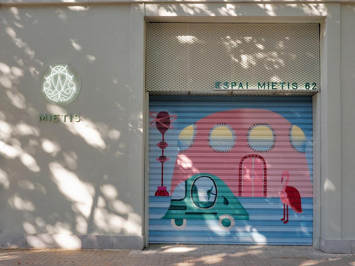 Tienda-Espai-Mietis--en-Barcelona,-España-8