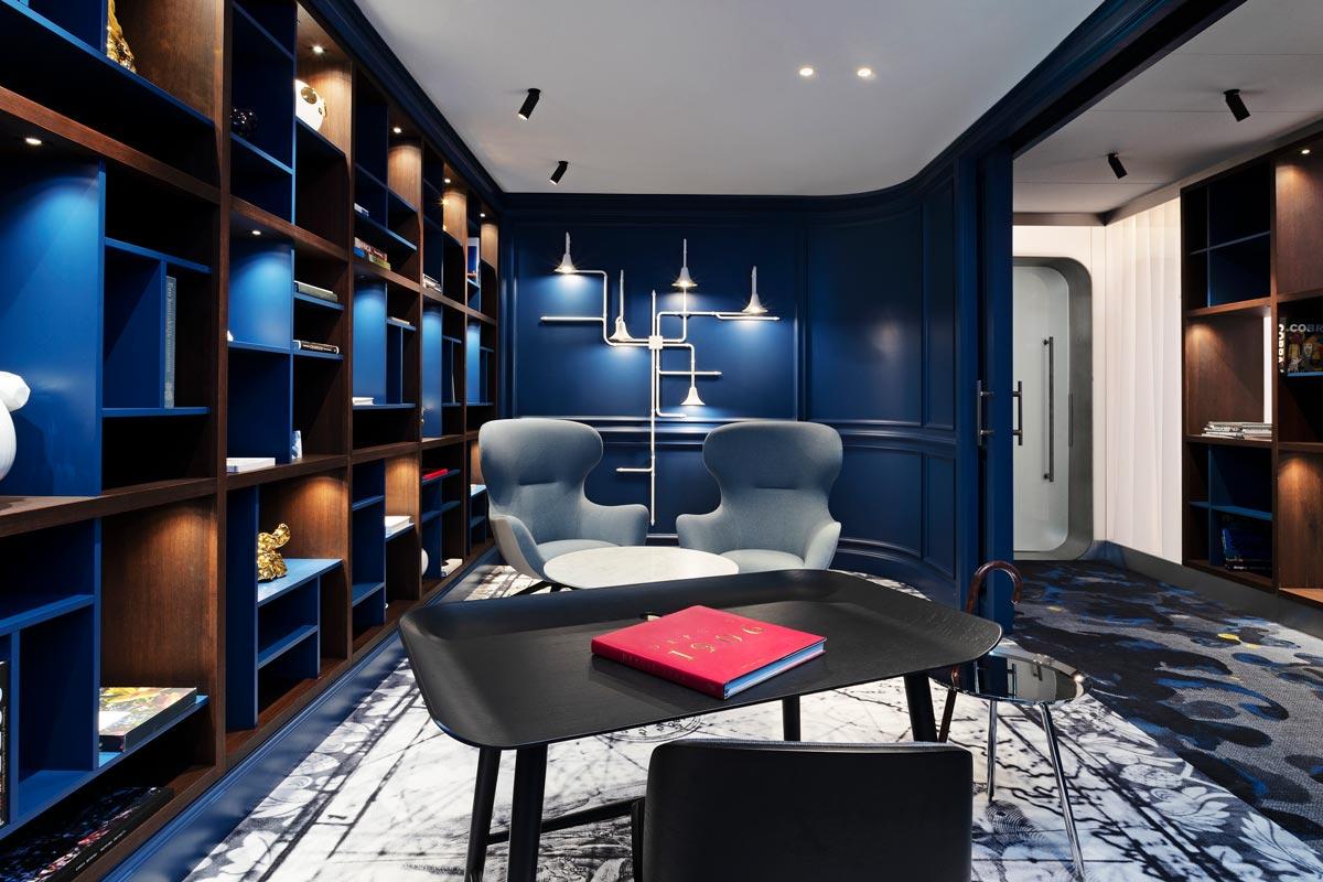 Librería de la sala VIP del aeropuerto Ámsterdam-Schipol, diseñado por Marcel Wanders.