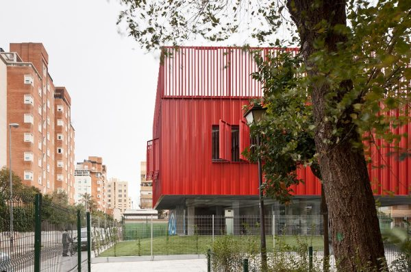 Centro-social-Macarena-de-MEDIOMUNDO-arquitectos