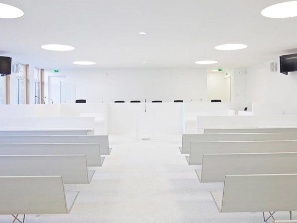 Porcelanosa-Grupo-Projects-Sala-Tribunal-Lorient-01