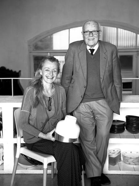 Nina Masó y el diseñador Miguel Milá