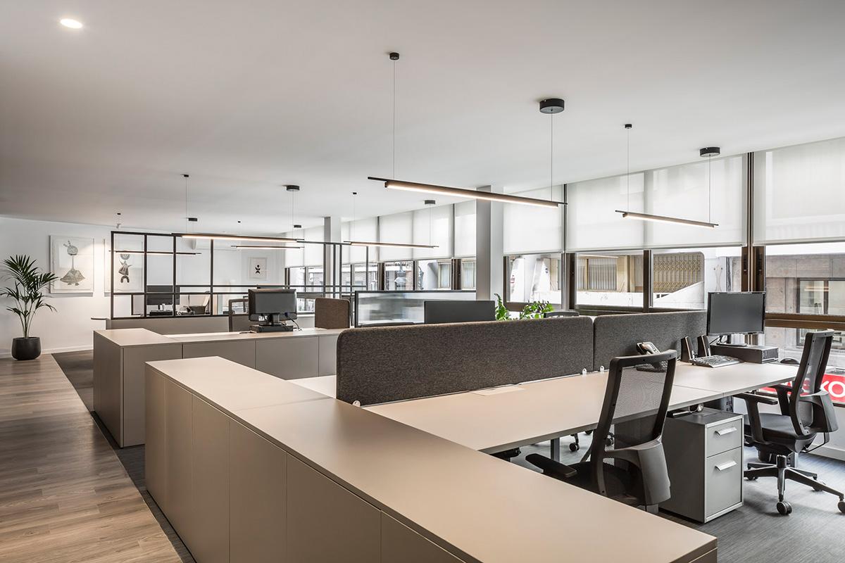Zona trabajo Oficinas Herrera y Asociados Porcelanosa